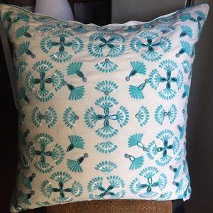 Kim Seybert white & blue mirrored pillow large